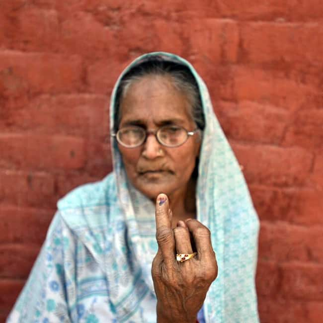 35 percent voting recorded till 2 pm during Delhi MCD Elections 2017