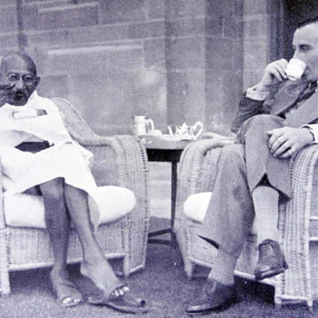 A pic clicked in 1947 where Mahatma Gandhi is having breakfast with Lord Mountbatten