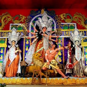 Durga Puja 2017: 10 Famous Kolkata Durga Puja Pandals you should not miss to visit!