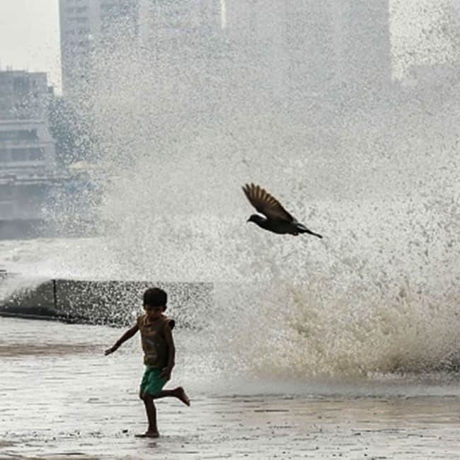 A still of high tide in Mumbai due to effect of Cyclone Ockhi