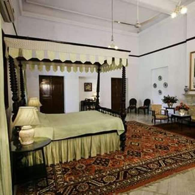 A view inside room of Pataudi palace