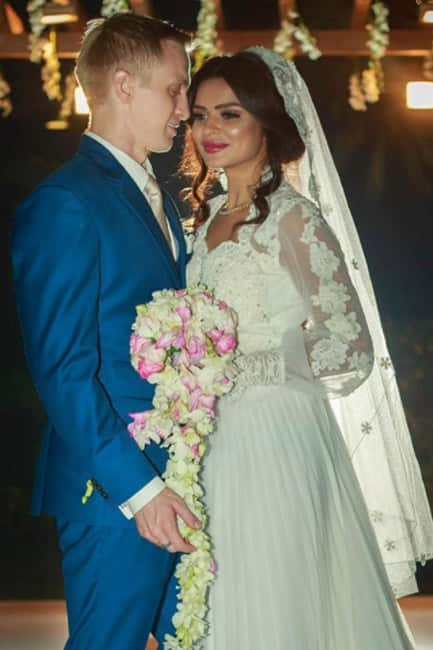 Aashka Goradia and Brent Goble on their wedding day