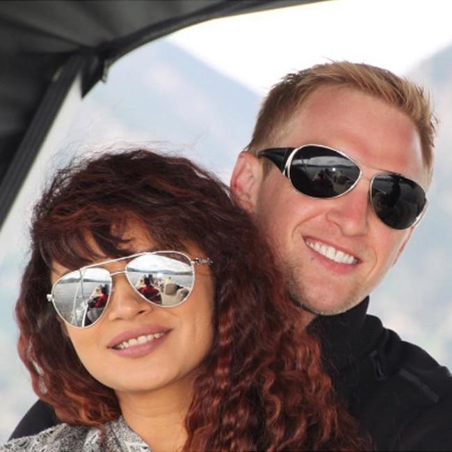 Aashka goradia dating rohit bakshi photos 4