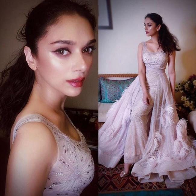 Aditi Rao Hydari at red carpet of Nykaa com Femina Beauty Awards 2018