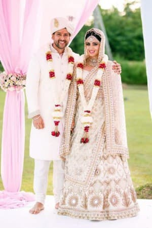 Aftab Shivdasani remarries wife Nin Dusanj in Sri Lanka and the pictures are dreamy as heaven!