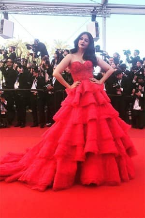 Cannes 2017: Aishwarya Rai Bachchan stole the show in a stunning red gown, see pictures