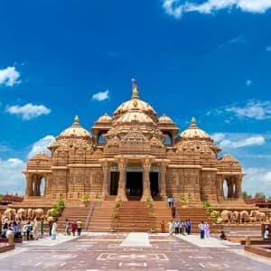 India's popular Temple complexes that reveal the grandeur of Indian architecture!
