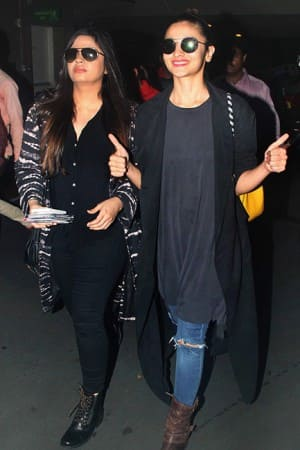 Alia Bhatt is back from her London vacation with sister Shaheen Bhatt, see HQ pics