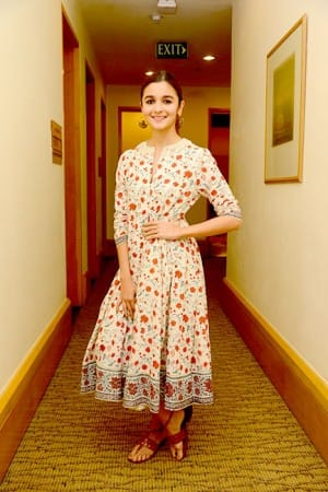 Alia Bhatt's summery outfit during 'Udta Punjab' promotion can be worn without a second thought
