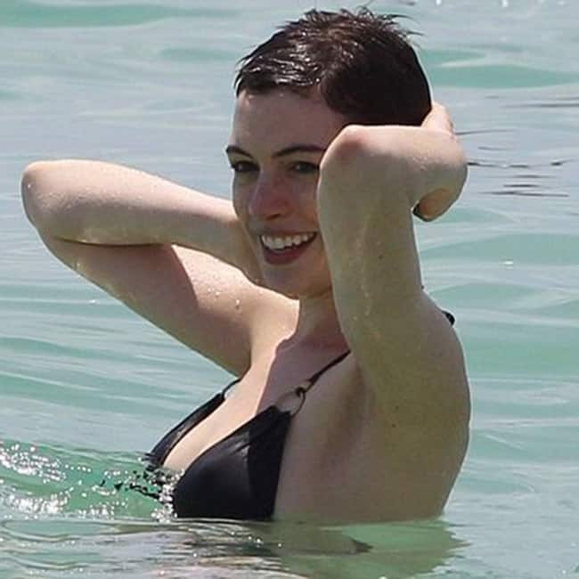 Anne Hathaway looks stunning in this picture