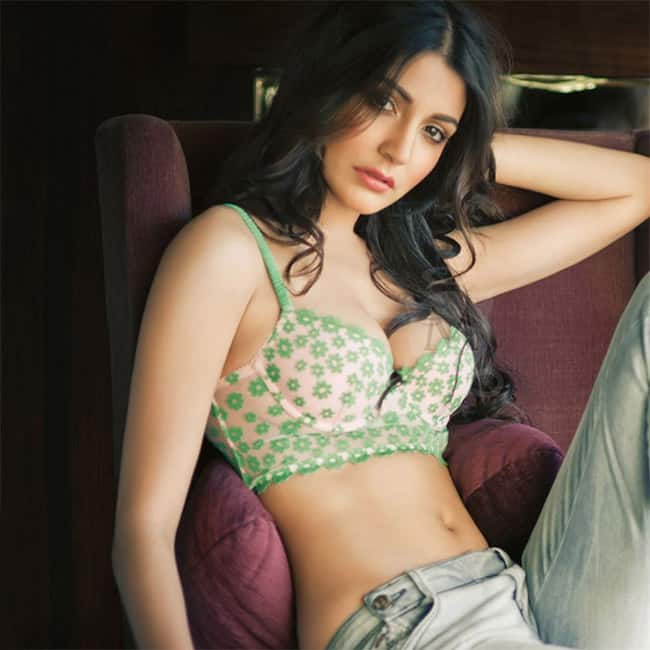 Anushka Sharma looks sexy in this picture