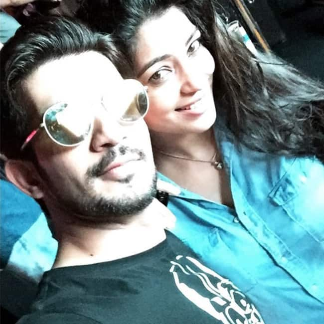 Arjun Bijlani   s selfie with wife Neha Swami