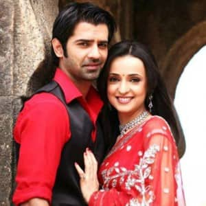 8 super romantic telly couples we miss watching on our TV sets!