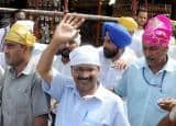 Arvind Kejriwal visits Golden temple, faces 'pamphlet protest'