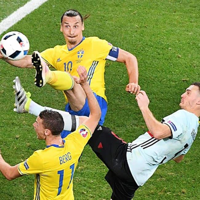 Belgium's Thomas Vermaelen vies with Sweden's Zlatan ...