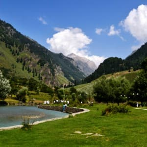 Here is the list of lovely places to visit in Kashmir valley