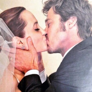 9 pics of Angelina Jolie with Brad Pitt which make their SPLIT a hard thing to believe!