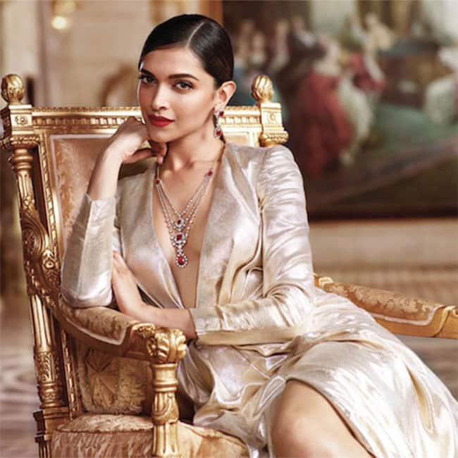 Deepika padukone is the queen of hearts in this new for Deepika padukone new photoshoot for tanishq jewelry divyam collection
