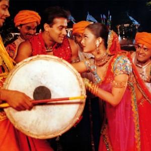 Navratri 2017: Best Dandiya tracks you can enjoy Navratri nights with!