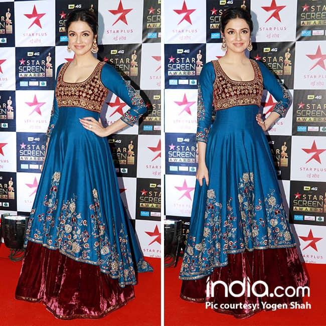 Divya Khosla Kumar at red carpet of Star Screen Awards 2017