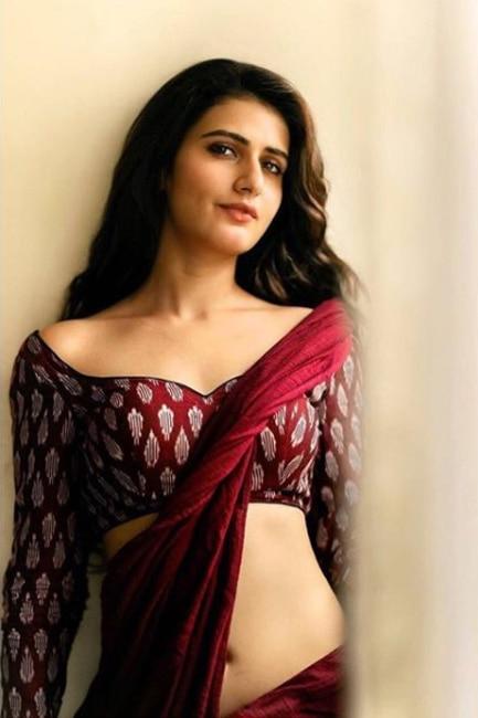 Fatima Sana Shaikh posing in sari