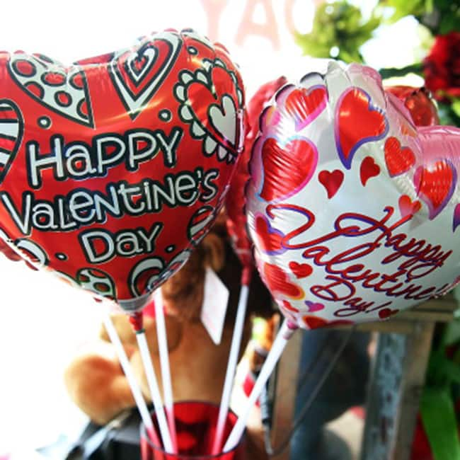 Gift these 5 things to her on this Valentine's Day ...