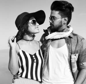 IN PICS: Hina Khan is romancing in Dubai with boyfriend Rocky Jaiswal