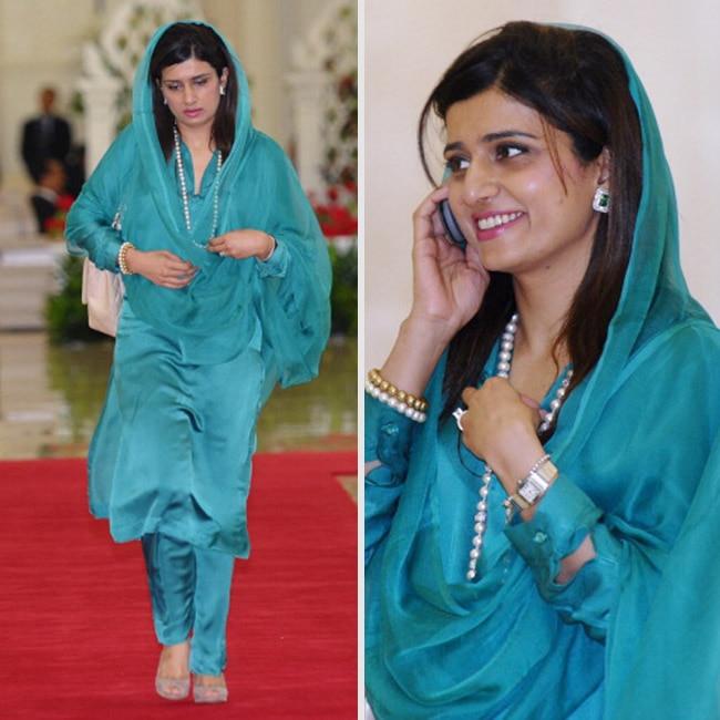 Hina Rabbani Khar's  smile and body language