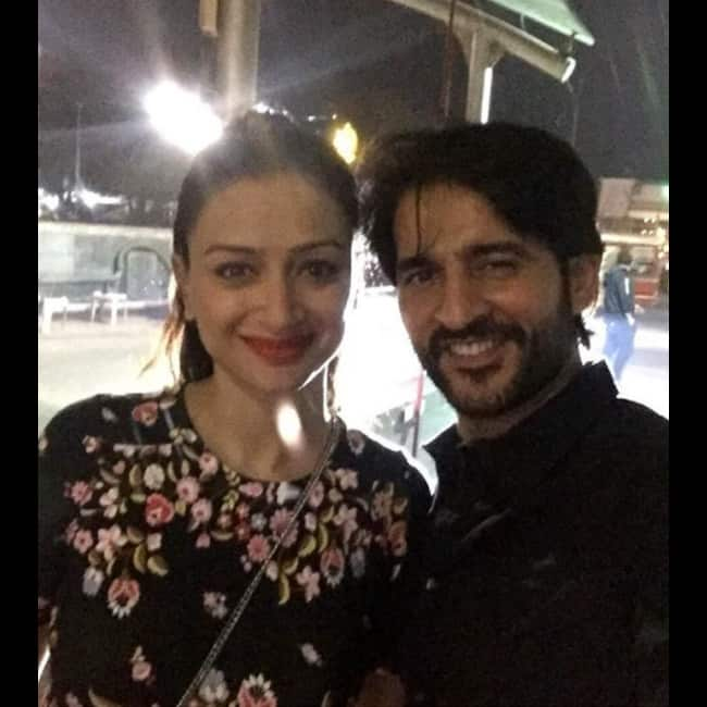 Hiten Tejwani's selfie with wife Gauri Pradhan