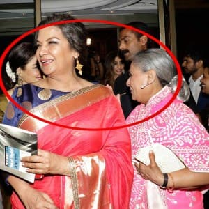 Jaya Bachchan spotted giving flying kiss to Rekha during HT Most Stylish Awards 2016