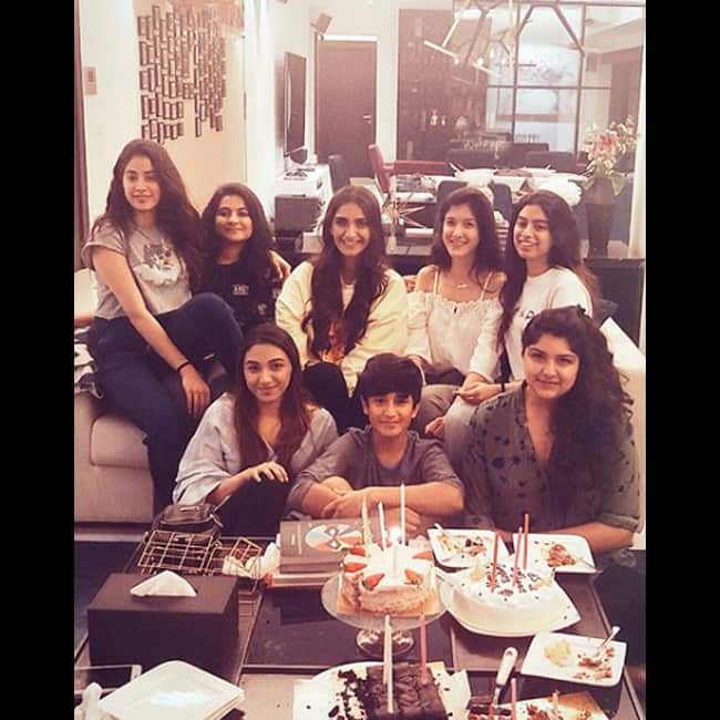 Jhanvi Kapoor with friends and cousins on her birthday