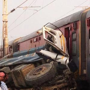 Spine chilling pics of Kaifiyat express derailment in Uttar Pradesh!