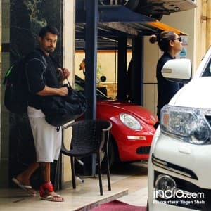 Cuteness Alert! Karan Singh Grover carries bags for Bipasha Basu and the pics will leave you in awe of him