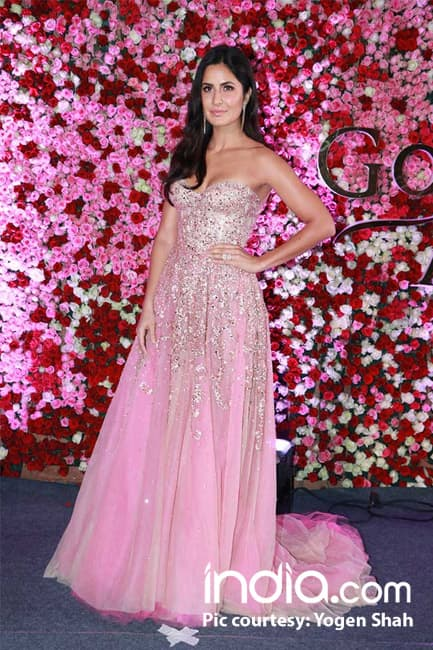 Katrina Kaif makes a dazzling appearance at the red carpet of Lux Golden Rose Awards 2017