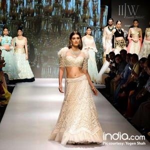 IIJW 2017: Kriti Sanon, Dia Mirza, Bhumi Pednekar turn show stoppers to inspire brides-to-be!