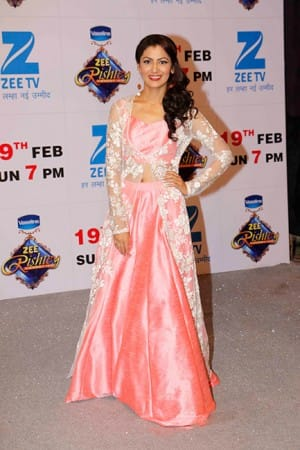 Zee Rishtey Awards 2017: Sriti Jha, Asha Negi, Krystle Dsouza and these TV queens ruled the red carpet in most stylish avatars!