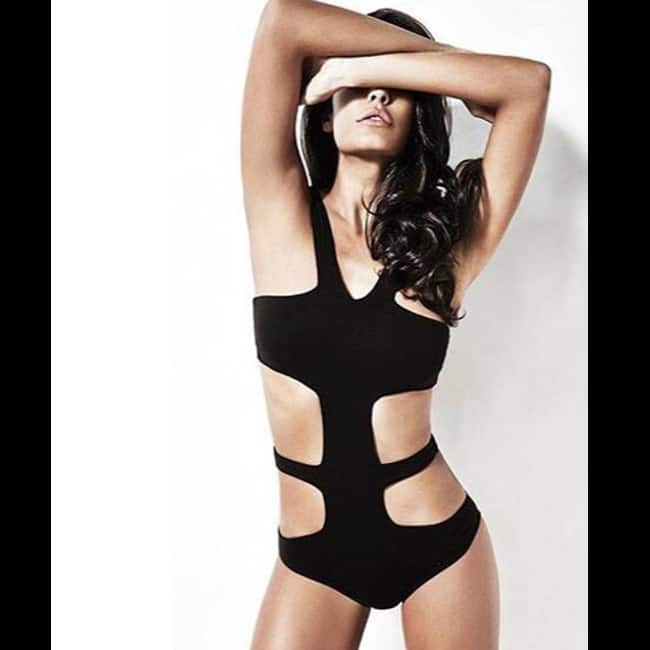 Lisa Haydon looks black hot in this picture