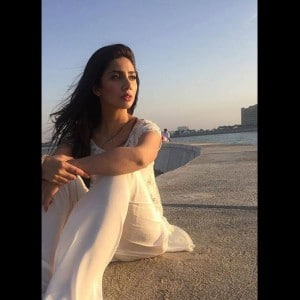 Mahira Khan hot and sexy pictures