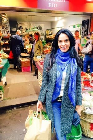 Bollywood diva Mallika Sherawat is loving the 'City of Love- Paris', see pics!