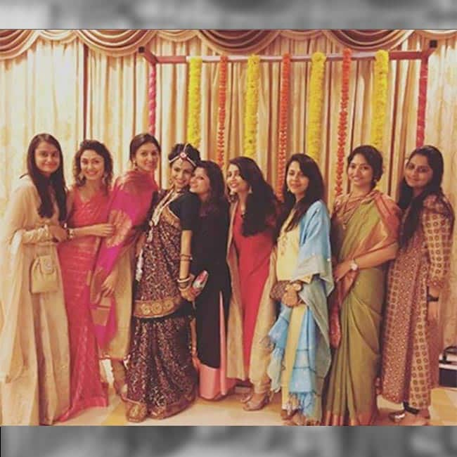 Manasi Parekh With Her Relatives During Traditional Baby Shower