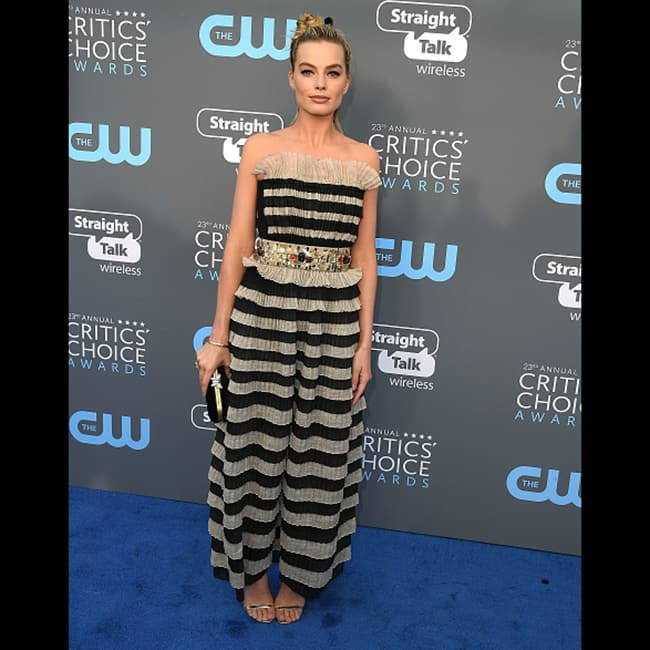 Margot Robbie at red carpet of Critics  Choice Awards 2018
