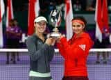 Sania Mirza and Martina Hingis capture 9th title of 2015 with WTA Finals title! See pictures
