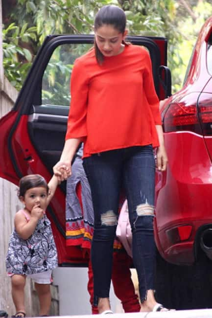 Mira Rajput spotted with daughter Misha