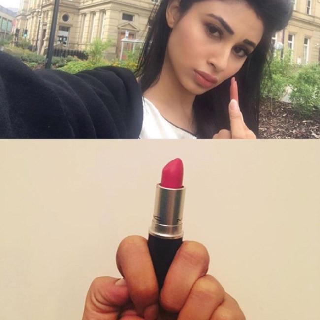 Mouni Roy   s Lipstick Under My Burkha selfie