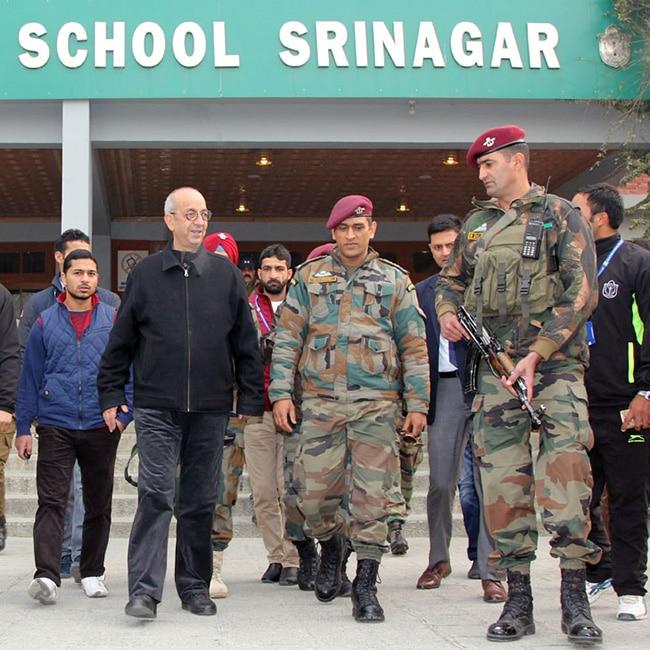 MS Dhoni visits DPS Srinagar