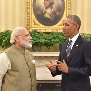 Narendra Modi meets Barack Obama; promise to work together of global peace and security