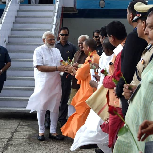 Narendra Modi arrives in Varanasi for his 2 day visit