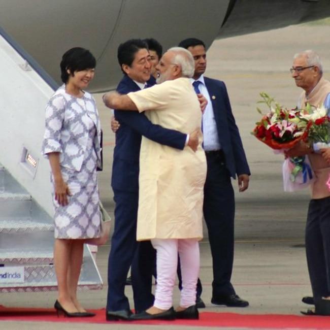 Narendra Modi hugging Japanese Prime Minister Shinzo Abe