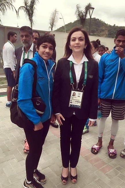 Neeta Ambani snapped with wrestler Babita Phogat at Rio Olympics 2016