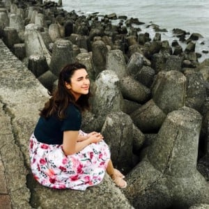 Parineeti Chopra Poses For Cute Picture Best Instagram